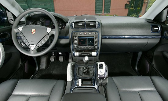 Porsche Cayenne 3.2 Biturbo by Eibach and partners - interior