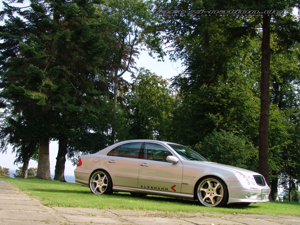 Right side view of the K3 (Mercedes E55 AMG by Kleemann) in 1024x768