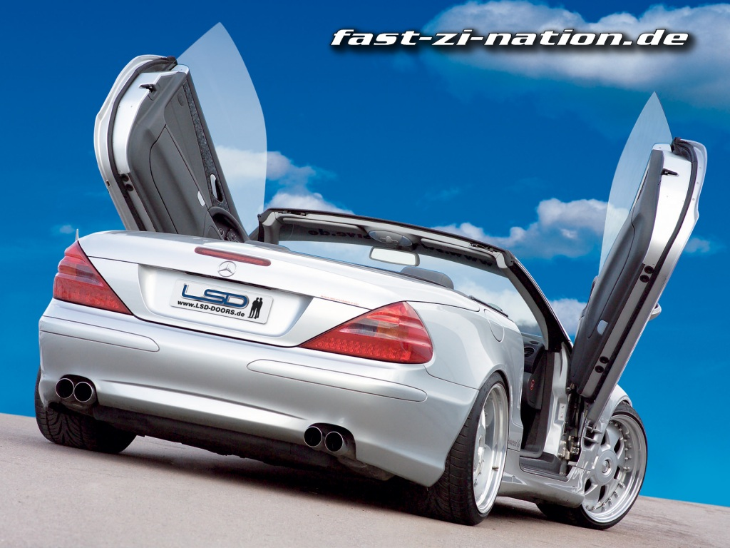 Mercedes SL with Lambo Style Doors - desktop wallpaper, 1024*768