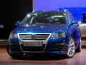 Volkswagen Passat Variant R36 - front-right view 2 - click for wallpaper