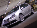 Volkswagen Golf R32 - left-front view - click for wallpaper