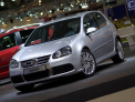 Volkswagen Golf R32 - front-left view - click for wallpaper