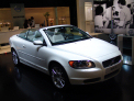 Volvo C70 Convertible - right-front view - click for wallpaper
