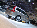 Volvo V70 - right-rear view - click for wallpaper