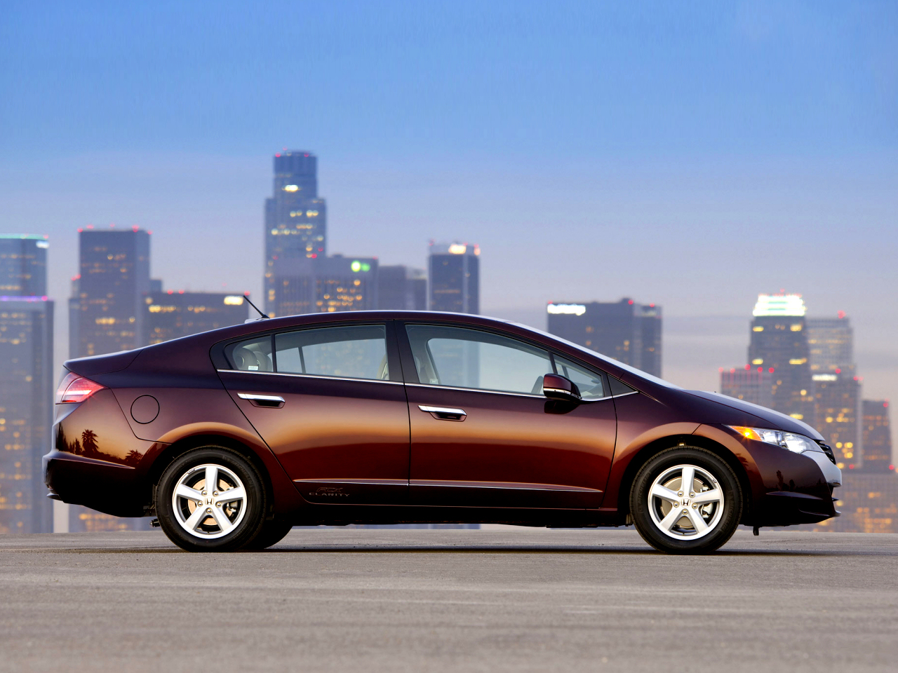 wallpaper 1280x960: Honda Clarity Fuel Cell Vehicle