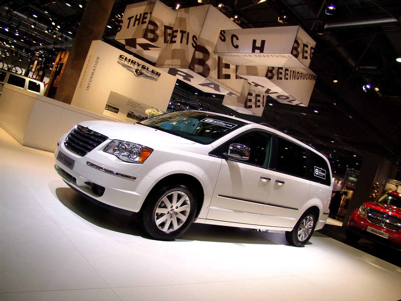 wallpaper 1024x960: Chrysler Grand Voyager on the Leipzig Motor Show