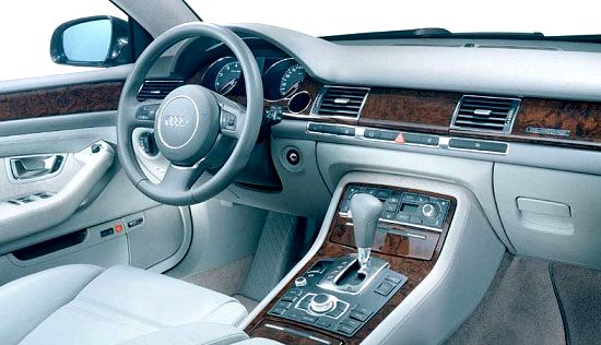 Audi A8 dahboard overview